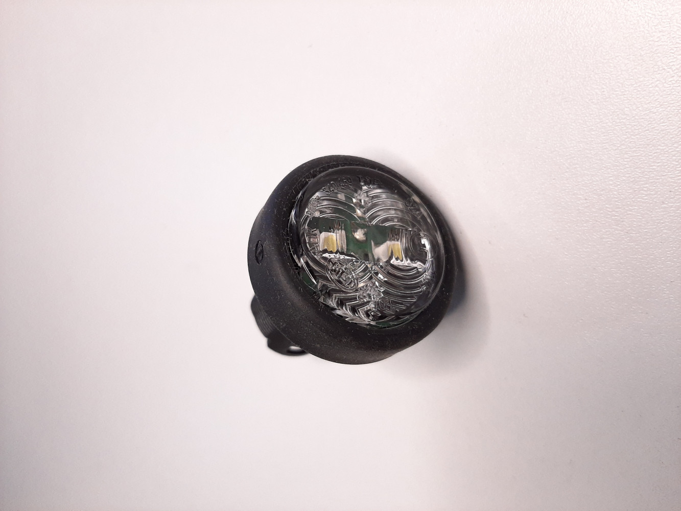 HELLA POZICIONO SVIJETLO  OKRUGLO 24V LED